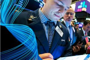 周五美股:波音飙涨 零售股回暖 高盛又降低苹果评级