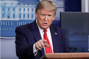特朗普在白宫新闻发布会上要求开放礼拜场所(中英字幕视频)