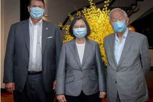 """""""里程碑""""?蔡英文宴请美国副国务卿克拉奇 称台湾有决心踏出关键的一步"""