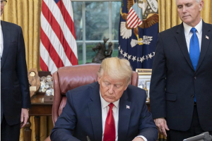 中美重磅消息!特朗普最新签署一项行政命令 禁止美国人投资一系列中国公司