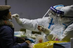 世界卫生组织溯源小组周四抵达中国!美媒:在世卫组织到访前 随着病毒病例激增,中国更多地区封锁