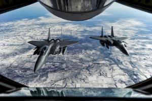 """重磅!美媒:美国空军为第三次世界大战做准备 多年来一直在定期进行""""红旗军演"""""""