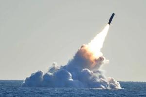 """中国军情重磅消息!解放军新战略核潜艇配备""""巨浪3型""""导弹 能够打击美国本土任何地方"""