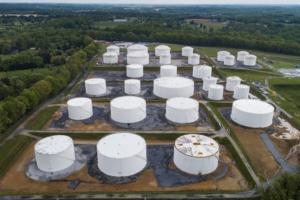 恐慌性抢油:加油站已经售罄、汽油溢价迅速扩大……美国最大的输油管线被黑,CEO警告市场短缺