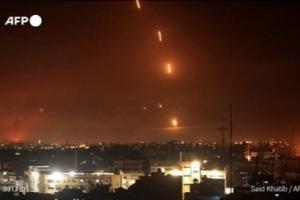 巴以冲突进一步升级!以军方称已有1000多枚火箭弹从加沙射向以色列 以色列中部城市卢德进入紧急状态