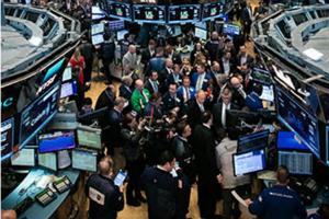 美股盘中:市场猜测疫情复燃将激发更加鸽派立场 科技股上涨抵消银行股下滑