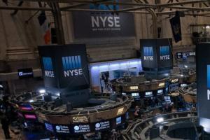 美股盘中:科技股在重磅财报发布前表现挣扎 未能打动投资者特斯拉跌至两周低点
